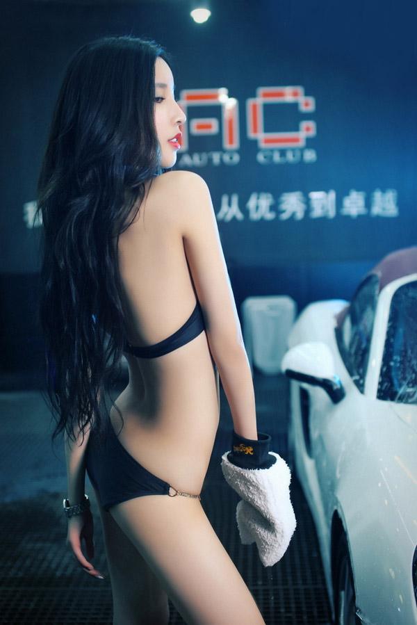 蜂鸟洗车女郎比基尼艺术写真