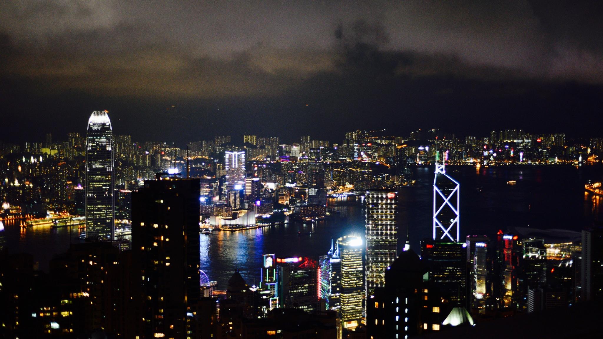 大盗贼霍老爷:春晚背后,一个日益割裂的中国社会