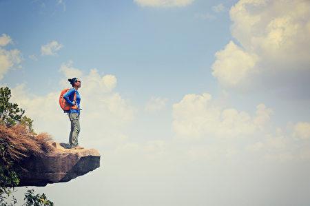 勇敢面对困难的励志名言警句