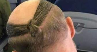 很难想象地中海发型居然也能扎起辫子