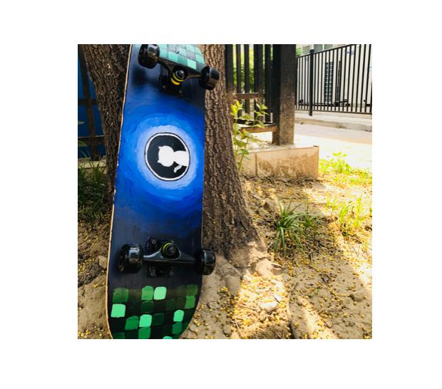感谢小姐姐送我的滑板!