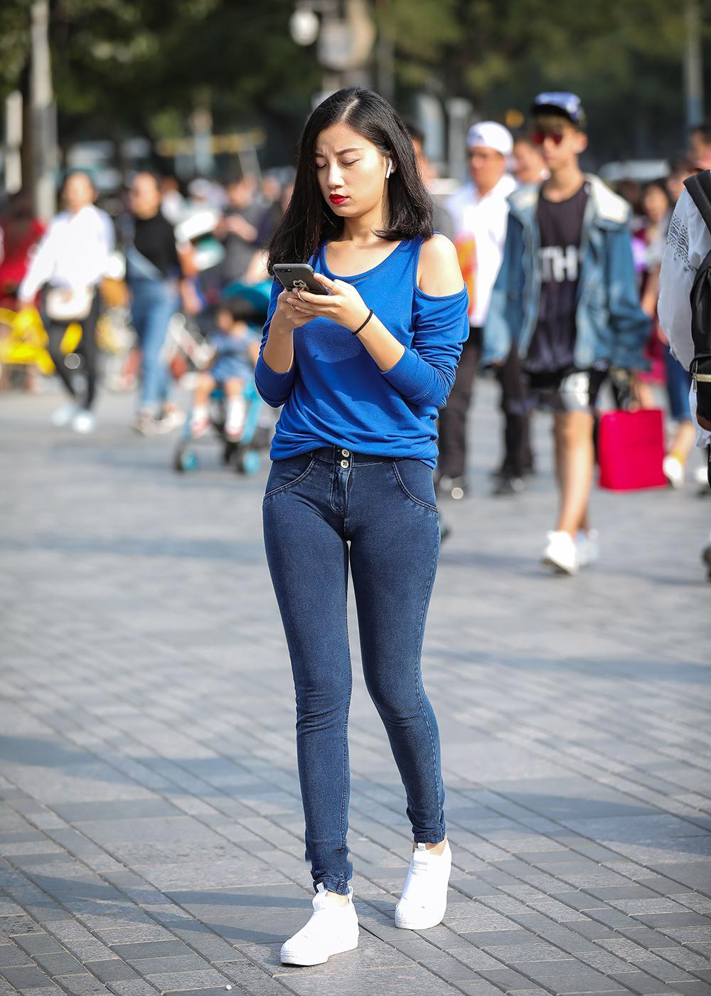 3D成人电影下载_街拍大街上紧身牛仔裤小姐姐【21P】-杏吧_性吧_sex8_杏吧有你 ...