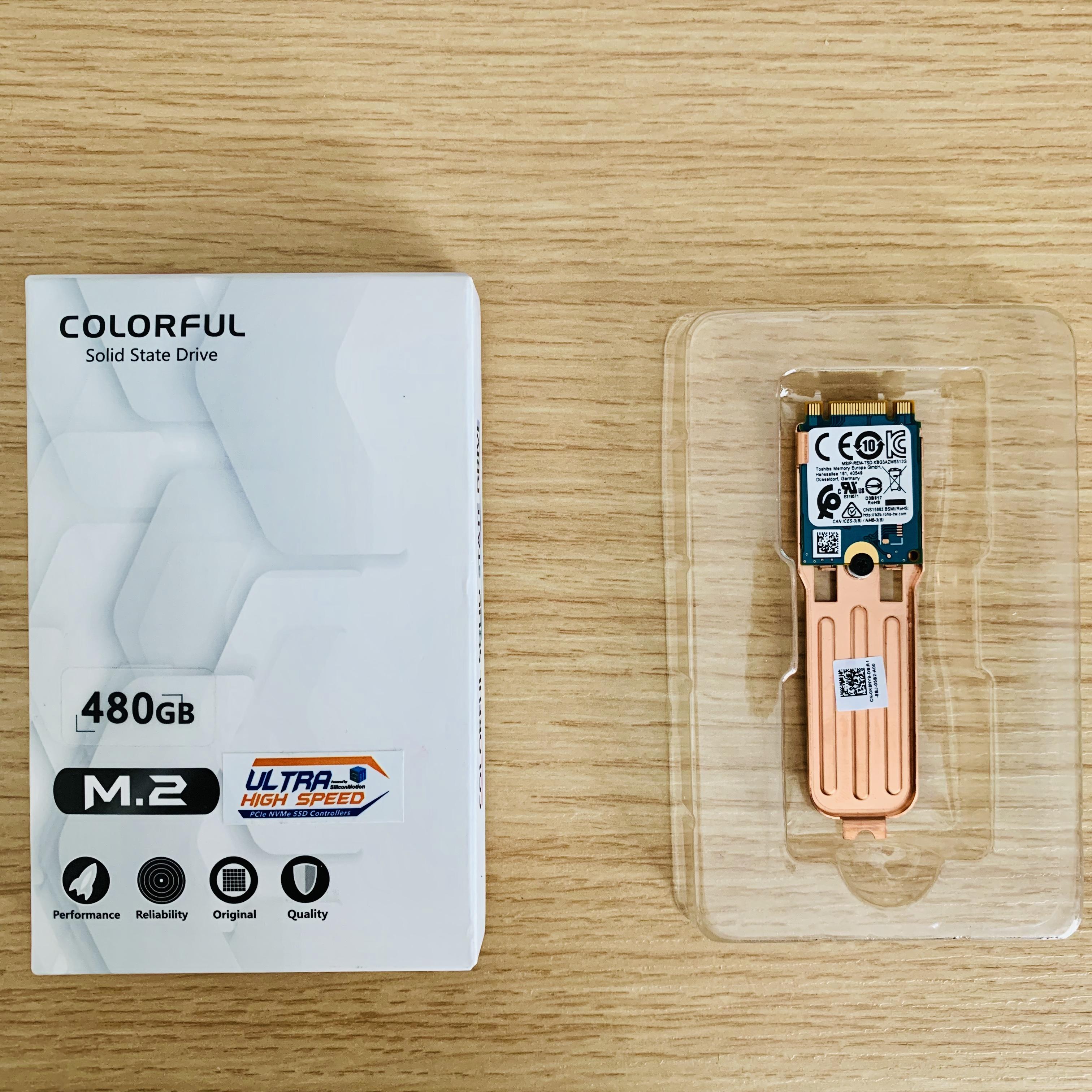 七彩虹固态包装盒与拆下来的 G7 自带 128G 东芝固态