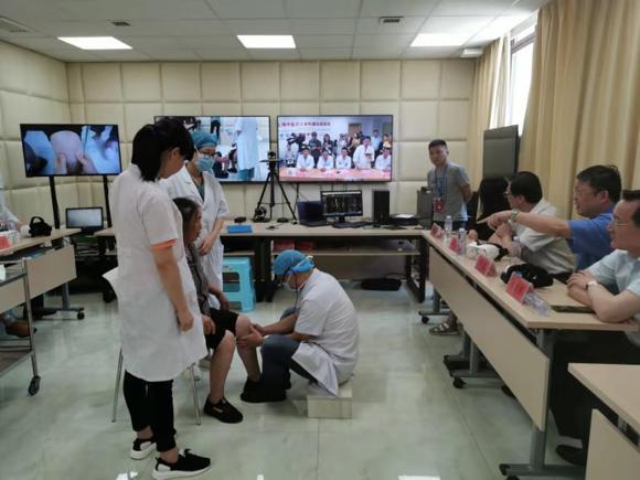 """穿越1886公里的医疗会诊 5G +VR医疗助力上海中医药隔空""""治疗"""""""