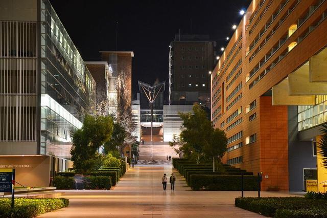 新南威尔士大学申请时间是什么时候