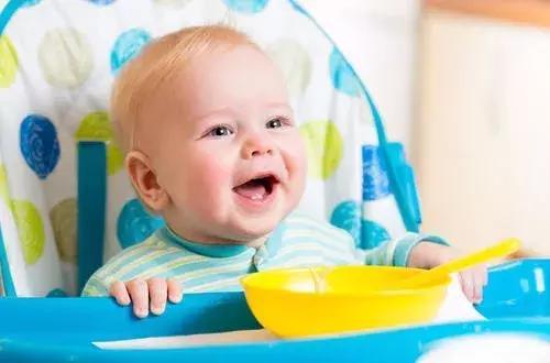 过早或过晚添加辅食对宝宝有什么不利的影响?