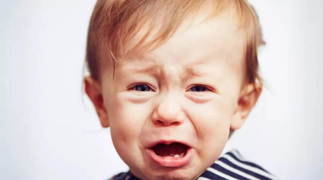 允许孩子哭,比逗孩子笑更重要