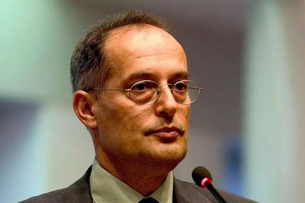米克洛什·哈拉兹蒂